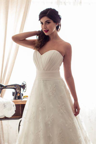 Vestido de novia color mantequilla